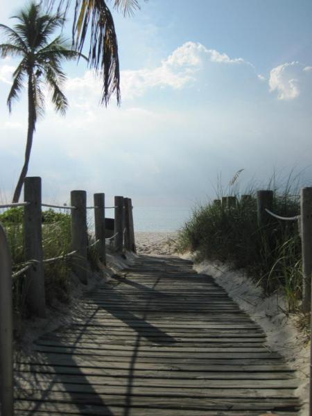 path-to-the-beach.jpg